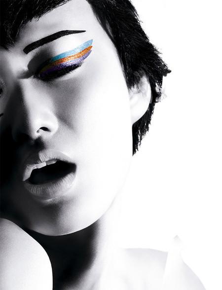 Viste tu mirada de color con los nuevos lápices Colorshow de Maybelline