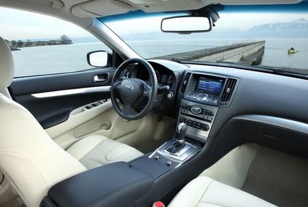 Infiniti G37 interior