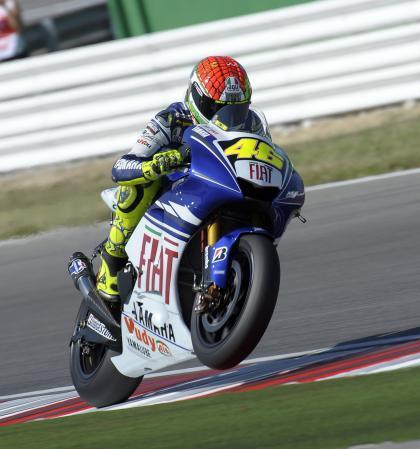 Rossi, un poco más cerca del título