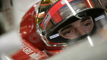 Jules Bianchi renueva con Lotus ART para 2011