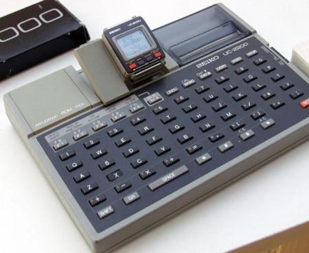 Reloj inteligente Seiko UC-2200