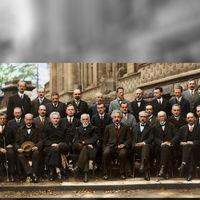 La historia de la imagen que plasma la que probablemente fuese la mayor concentración de genios de la historia
