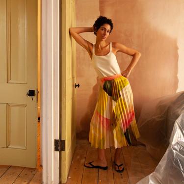 Las faldas midi más bonitas de las rebajas están en Mango, cuestan menos de 20 euros y son una apuesta segura