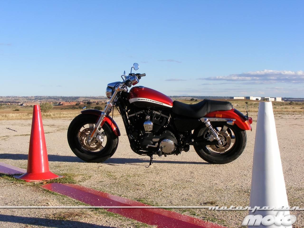 Foto de Harley-Davidson XR 1200CA Custom Limited (18/65)
