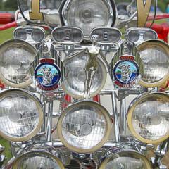 Foto 4 de 14 de la galería scooter-clasicos-faros-y-retrovisores-a-go-go en Motorpasion Moto