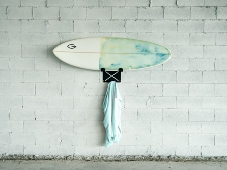 De shopping surfero: bikinis y tiburones