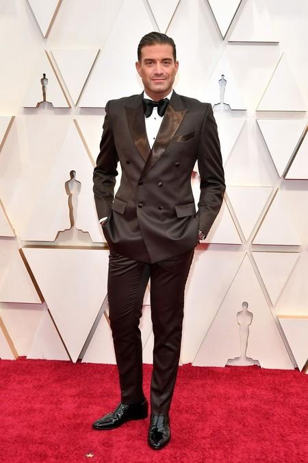 Omar Sharif Jr Apuesta Por Los Colores De Otono Y Luce El Color Marron Como Nadie En Los Premios Oscar