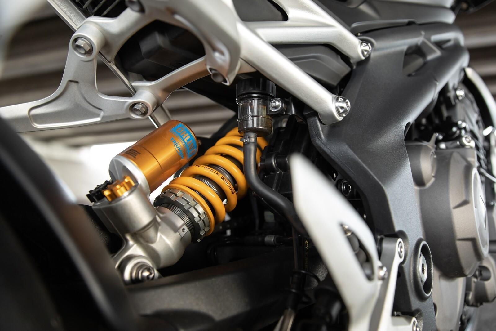 Foto de Triumph Speed Triple 1200 RS 2021 (57/71)