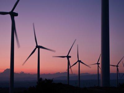 Que Portugal cubra el 100% de la demanda con energías renovables no le sirve de mucho (todavía)