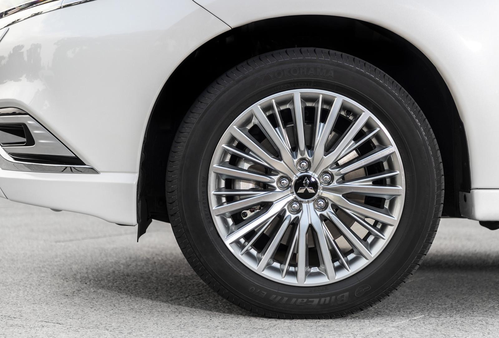 Foto de Mitsubishi Outlander PHEV 2019 (presentación) (69/69)