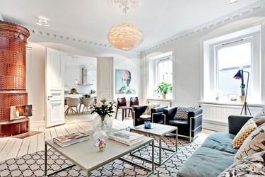 Un apartamento sueco lleno de piezas actuales y clásicos del diseño