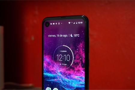 Motorola One Action se empieza a actualizar a Android 10 en México