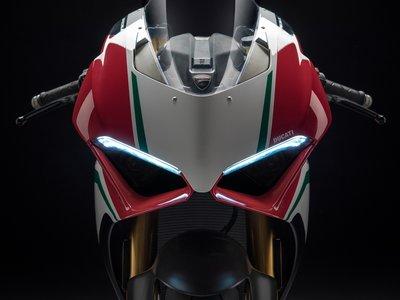 Ducati Panigale V4, la bestia italiana: 214 caballos, 175 kg y un arsenal tecnológico de MotoGP