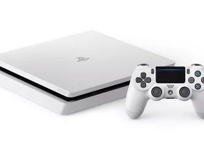"""La PS4 Slim pronto estará disponible en un """"blanco glacial"""" que recuerda mucho a su gran rival"""