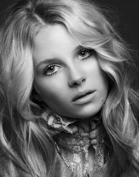 Kate Moss tiene competencia: su hermana modelo de 13 años, Lottie Moss