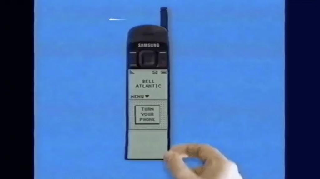 Esta gloriosa versión imaginaria del Galaxy Fold de los 90s es una de esas joyas que sólo se encuentran en internet