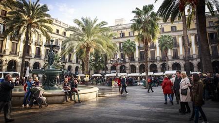 La CNN incluye a Barcelona entre las ciudades a evitar este 2018 (y propone Valencia como alternativa)
