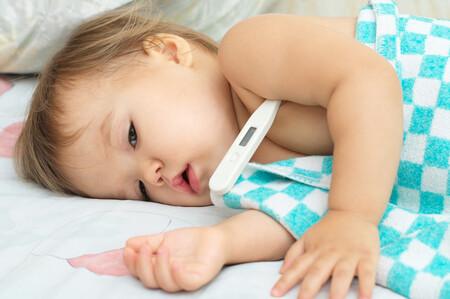 El semáforo de colores que nos dice cuándo acudir a urgencias con bebés y niños