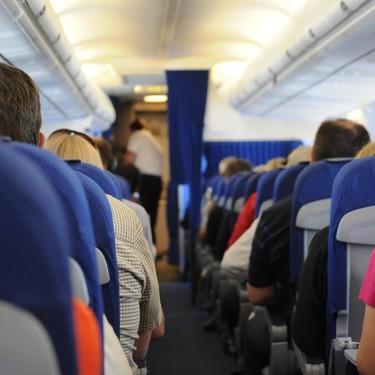 Expulsan de un avión a una familia porque su hija de dos años se había puesto a llorar mientras abordaban