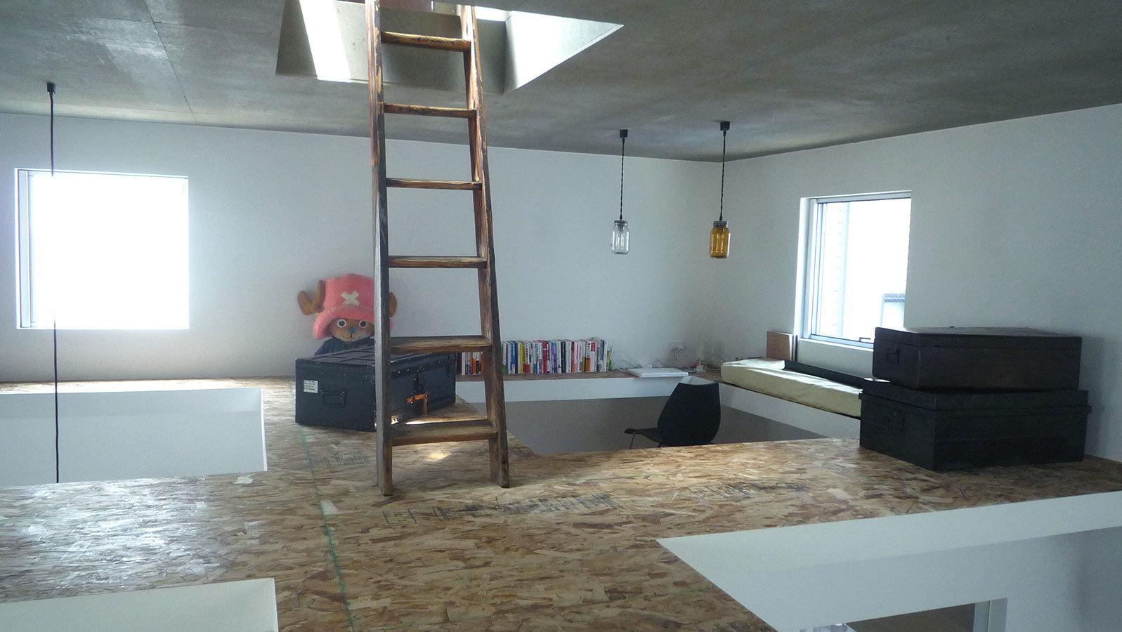 Foto de Casas poco convencionales: viviendo en una estantería gigante (14/14)