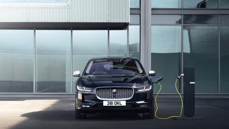 El Jaguar I-Pace EV320 es el coche eléctrico más barato de la marca, pero también es menos potente