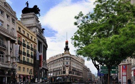 Madrid pagará la mitad de la cuota de autónomos a los empresarios menores de 30 años