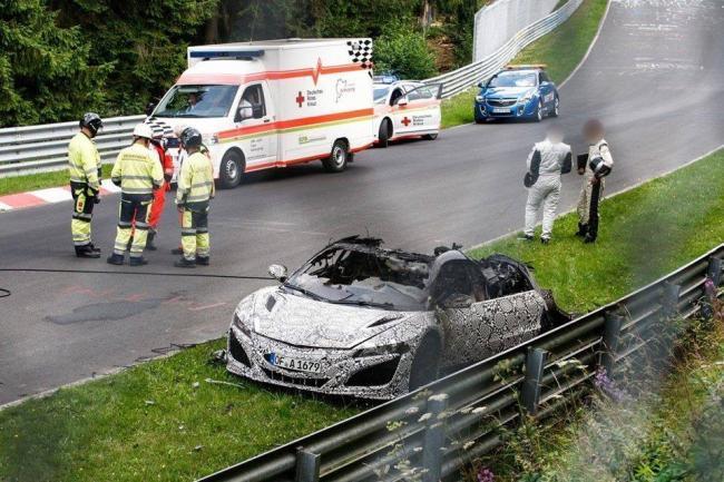 Se incendia un nuevo Honda NSX en el Nürburgring