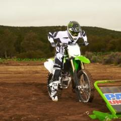 Foto 35 de 42 de la galería nueva-kawasaki-kx450f-2013-de-la-experiencia-del-ama-supercross-y-motocross-a-tu-garaje-accion en Motorpasion Moto