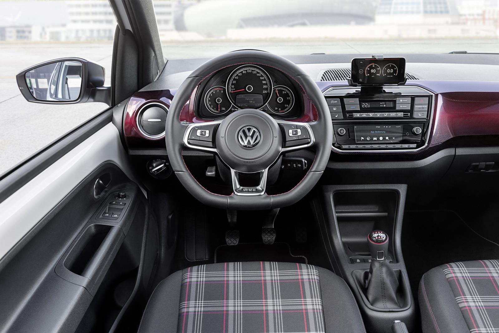 Foto de Volkswagen Up! GTI (16/17)