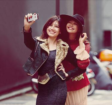 Free People se hace un selfie con sus tops
