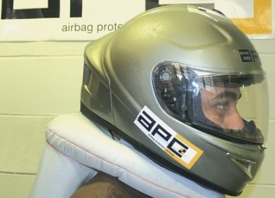 Primera imagen del casco con airbag