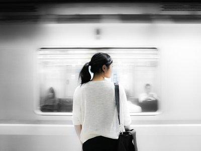 ¿Por qué en el metro de México D.F. han instalado asientos con pene?