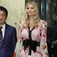 Ivanka Trump viste de rosa y se mimetiza con la cultura japonesa