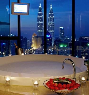 Una bañera con vistas, las tres panorámicas más espectaculares desde el baño