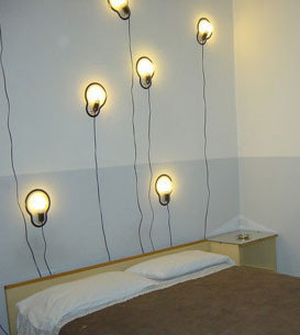 Sticky Lamp, se pega a las paredes