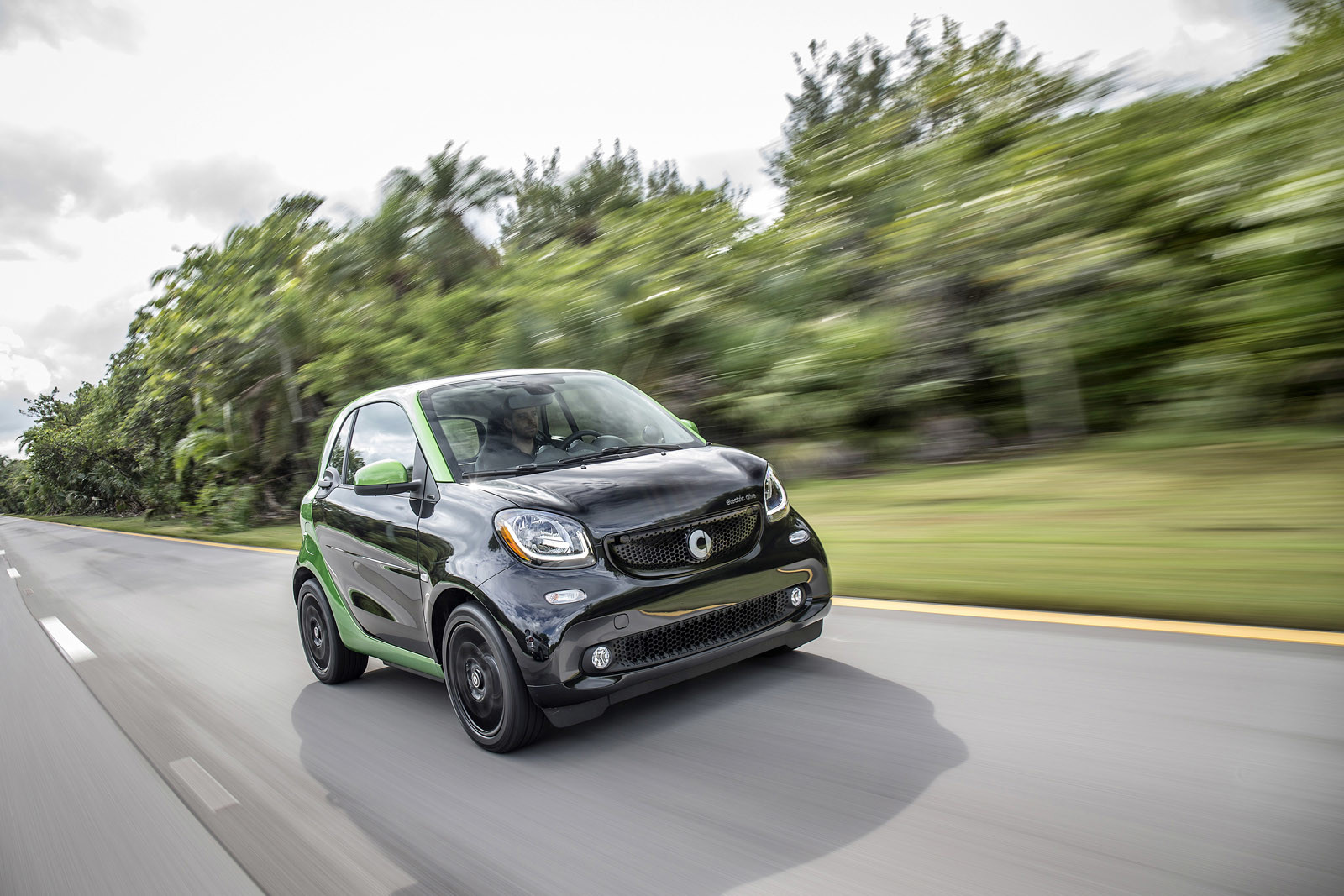 Foto de smart fortwo Electric Drive, toma de contacto (219/313)