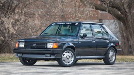 El Dodge Omni GLHS de Carroll Shelby y rival del Volkswagen GTI, se vendió por casi un millón de pesos