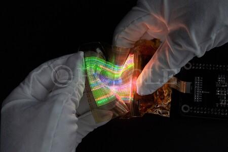 La tecnología MicroLED se hace extensible: capaz de estirarse hasta el 130% y pensando en wearables con formas flexibles