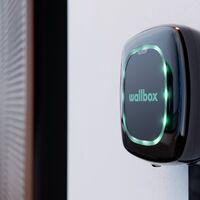 De trabajar en Tesla a crear Wallbox, una empresa española de cargadores para coches eléctricos que ya tiene más de 200 empleados