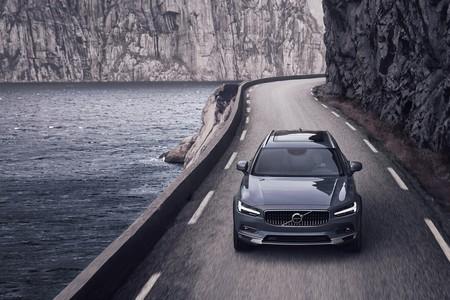 Volvo ya limita sus coches a 180 km/h con el objetivo de salvar más vidas, aunque pierdan clientes potenciales