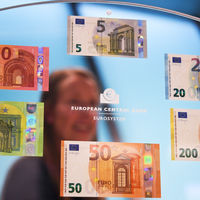 La era de los intereses negativos: por cada 10.000€ en la cuenta, los bancos cobrarán 40€ al año