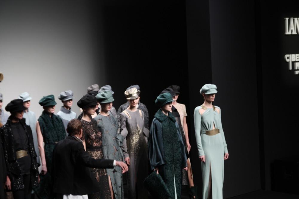 Foto de Jesús del Pozo en la Cibeles Fashion Week Otoño-Invierno 2011/2012 (56/71)
