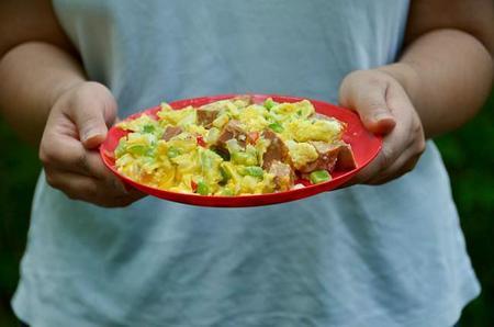 Consejos para mantener la seguridad alimentaria en nuestras comidas al aire libre
