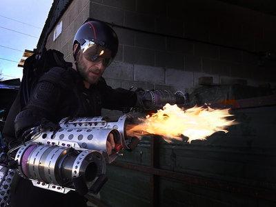 El único humo de Daedalus es el de su queroseno: el traje volador a lo Iron Man se deja ver en las TED Talks