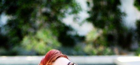 ¿Quién se atreve a decorar sus cejas con purpurina? Bella Thorne nos trae esta nueva ¿tendencia?
