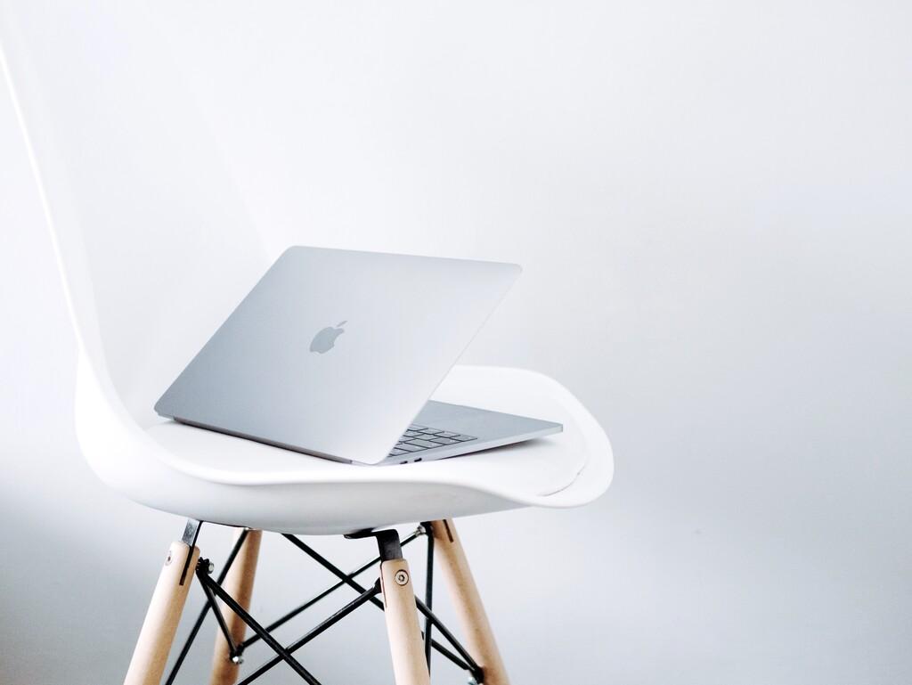 Apple extiende un año más el programa de reparación de la retroiluminación de la pantalla del MacBook Pro de 13