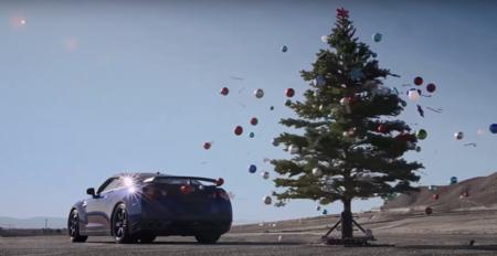 ¿Quitar el árbol de navidad en 2.7 segundos? Fácil, con un Nissan GT-R y su launch control
