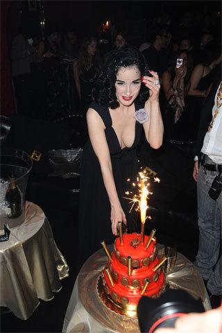 Todos los invitados a la fiesta de cumpleaños de Dita Von Teese en París