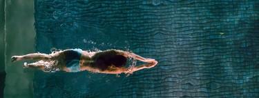 Ejercicios en el agua: así puedes entrenar sin salir de la piscina