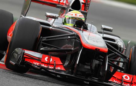 McLaren da un toque a Sergio Perez